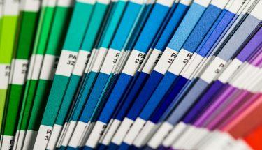 ¿Demasiado color? Los logos multicromáticos saturan el mercado turístico