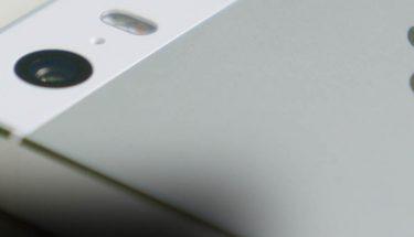 imagen de un movil de Apple - Brandemia_