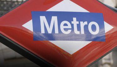 logo del metro de madrid imagen de entrada al metro cabecera