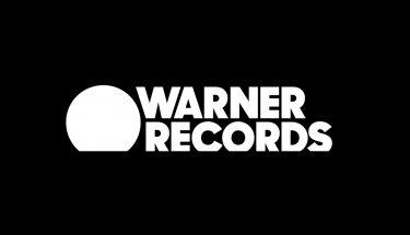 Warner Bros Records cambia de nombre y de imagen tras 61 años usando el mitico escudo