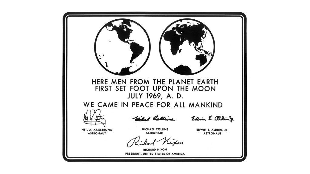 placa lunar 1969 sin el logo