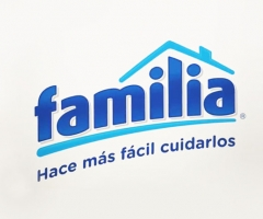logo de la marca familia productos de aseo
